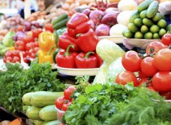 Неделния пазар в Етрополе